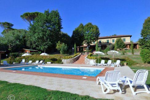 2-Swimming Pool,House,Garden
